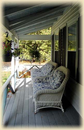 front porch of Arbor House with comfortable seating